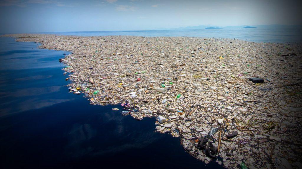 Ocean plastic waste (Large)